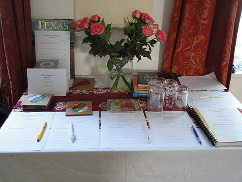Raffle table at the Monument House Utrecht. Photo: Susan Raddatz