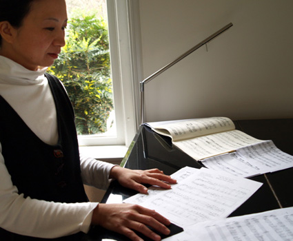 Anne Ku at the piano